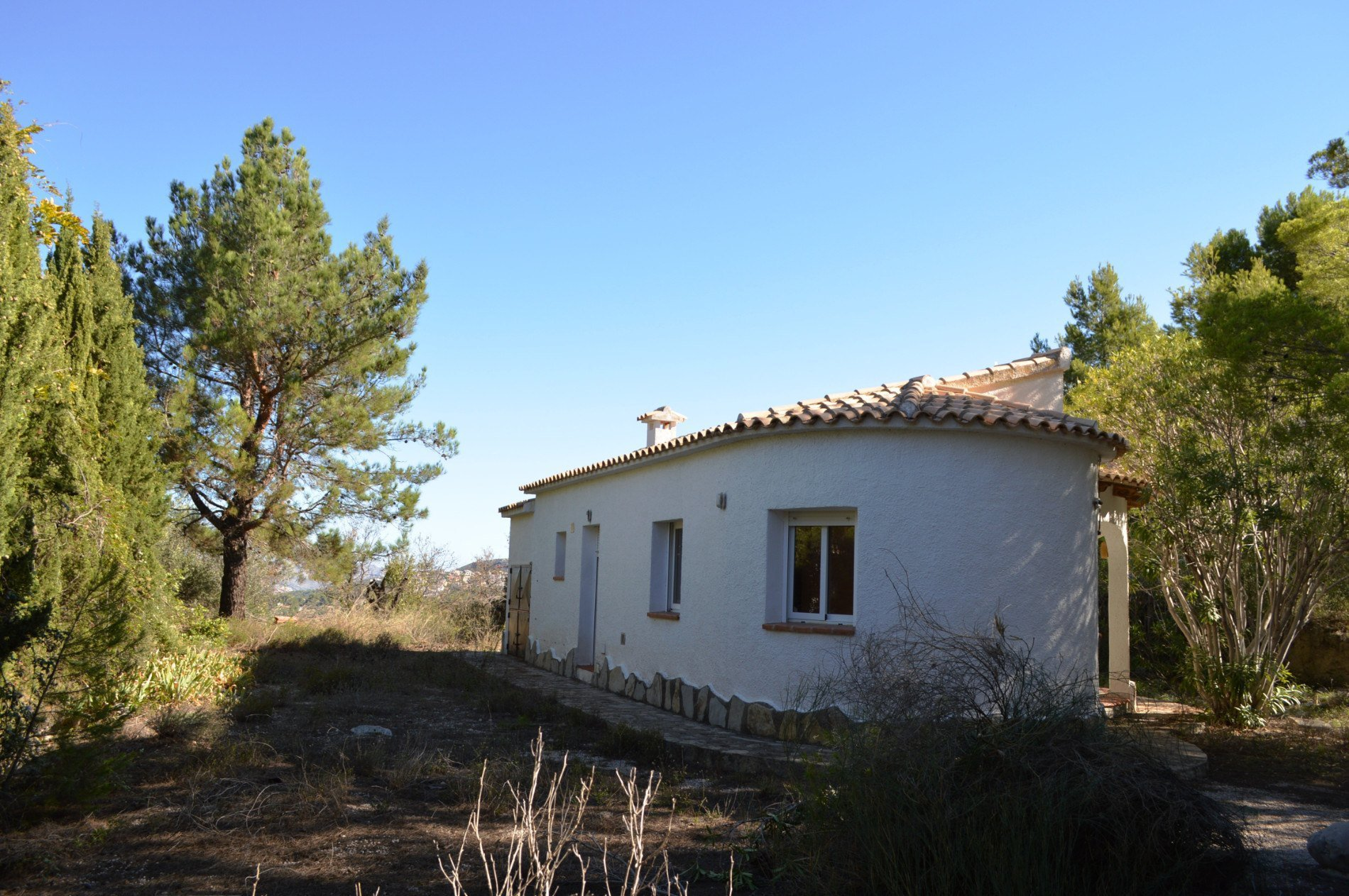 Two villas on large, private plot