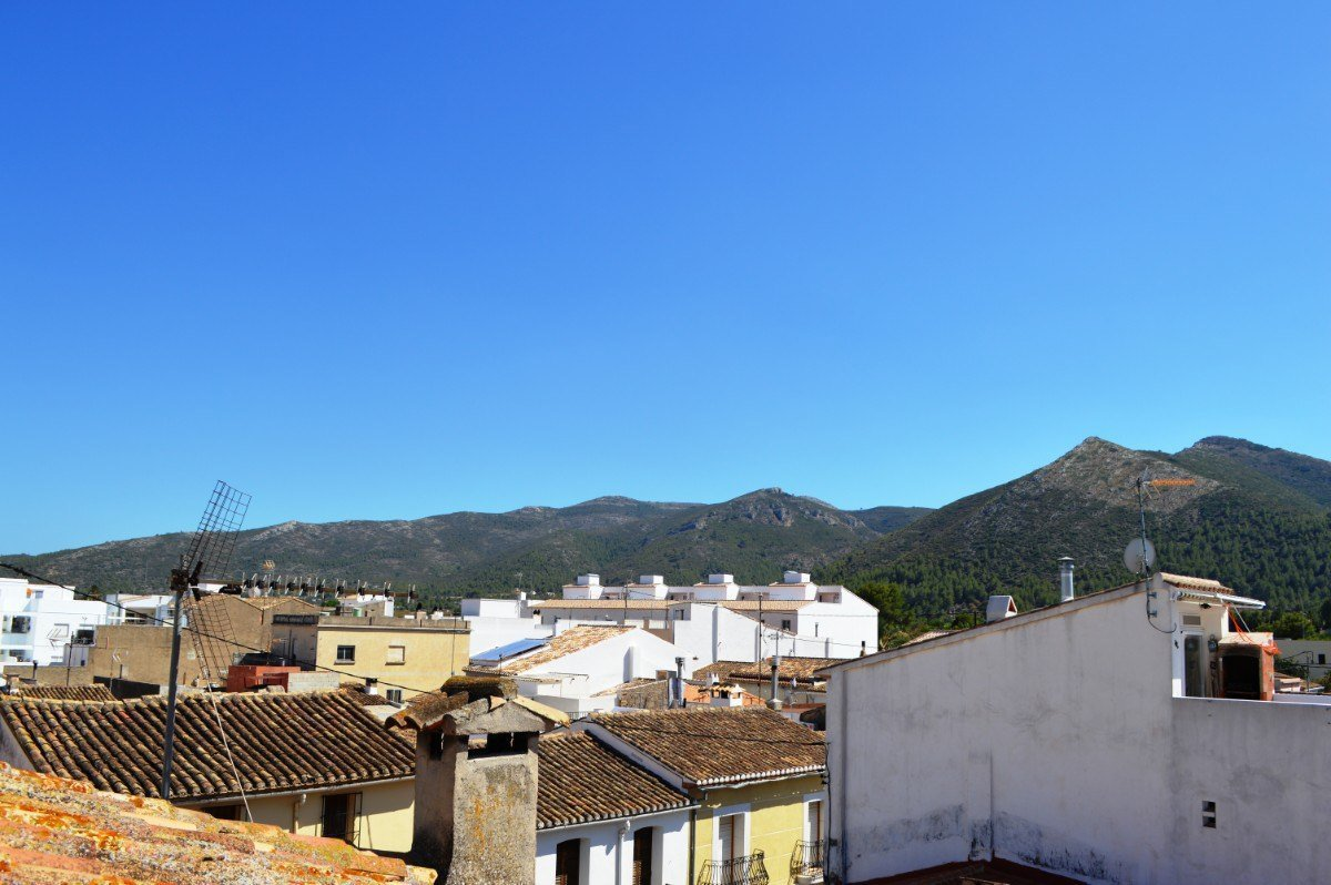 Maison de ville espagnole moderne et contemporaine