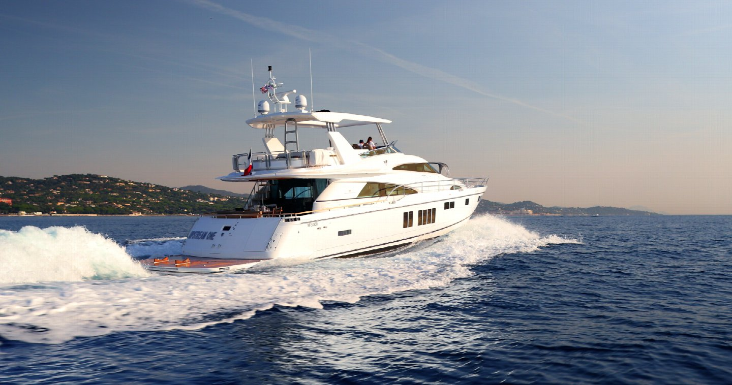 M/Y Fairline Squadron 78 Custom