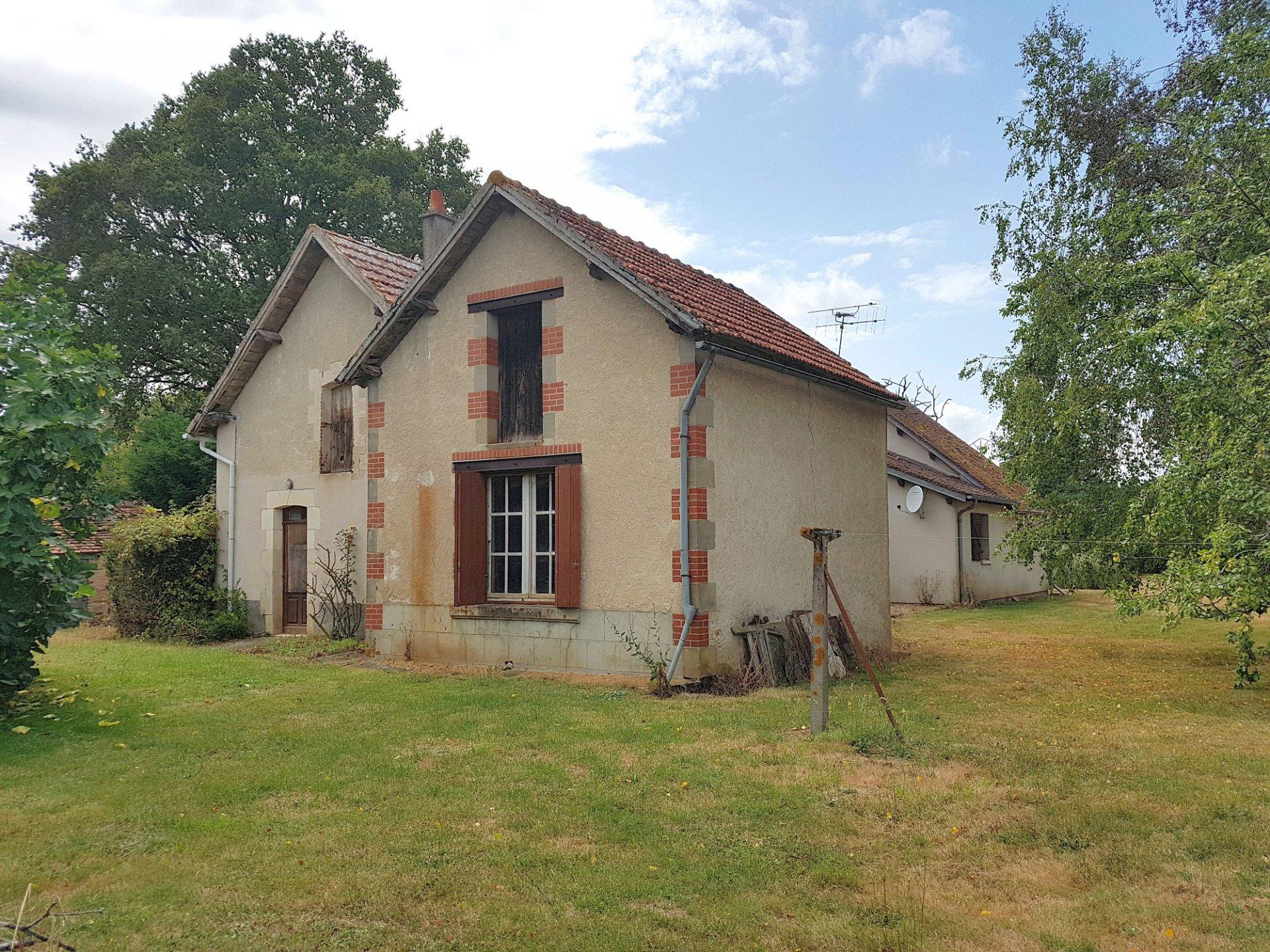 Region Montmorillon, Vienne 86: grande maison avec jardin