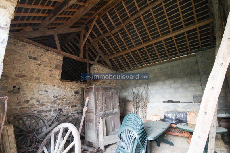 Au coeur du Morvan, proche Villapourcon, maison sur un emplacement unique avec beaucoup de terrain