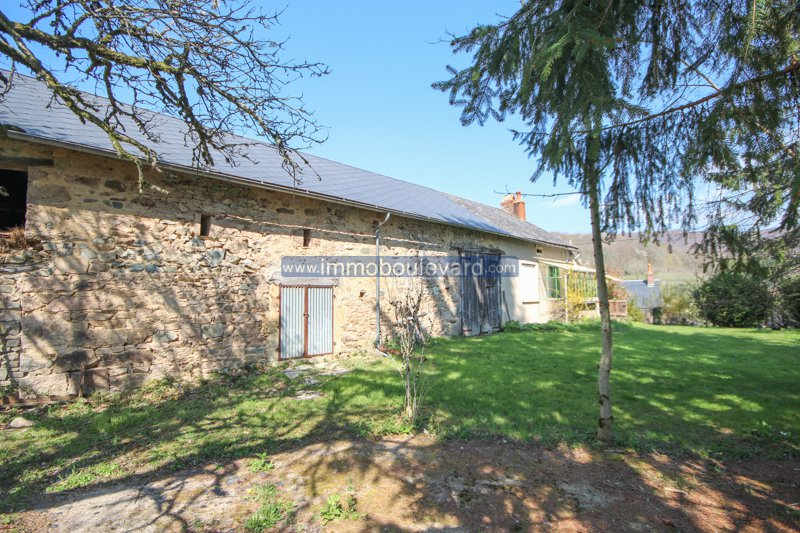 Heart Morvan, near Villapourcon, house on a unique location with lots of land