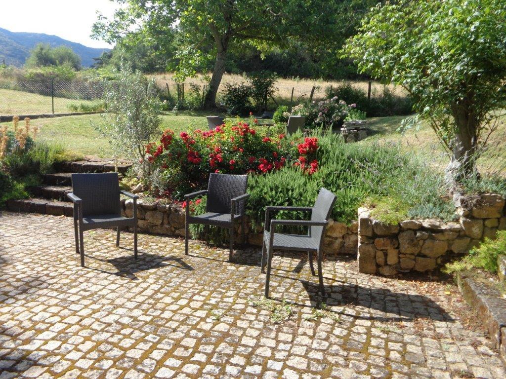 Drôme  Petit hameau avec vue  exceptionnelle
