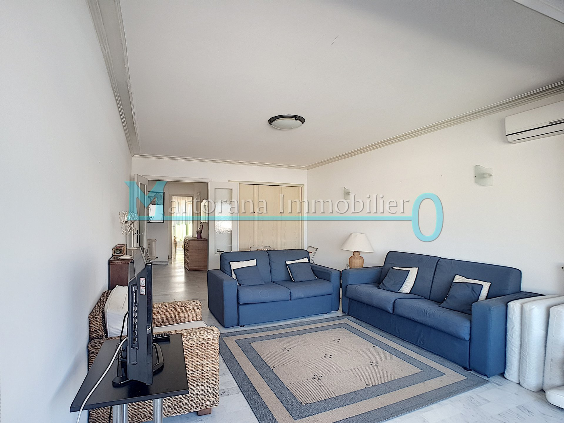Location ETUDIANTE : Grand 2p meublé au centre d'Antibes - Juan les Pins