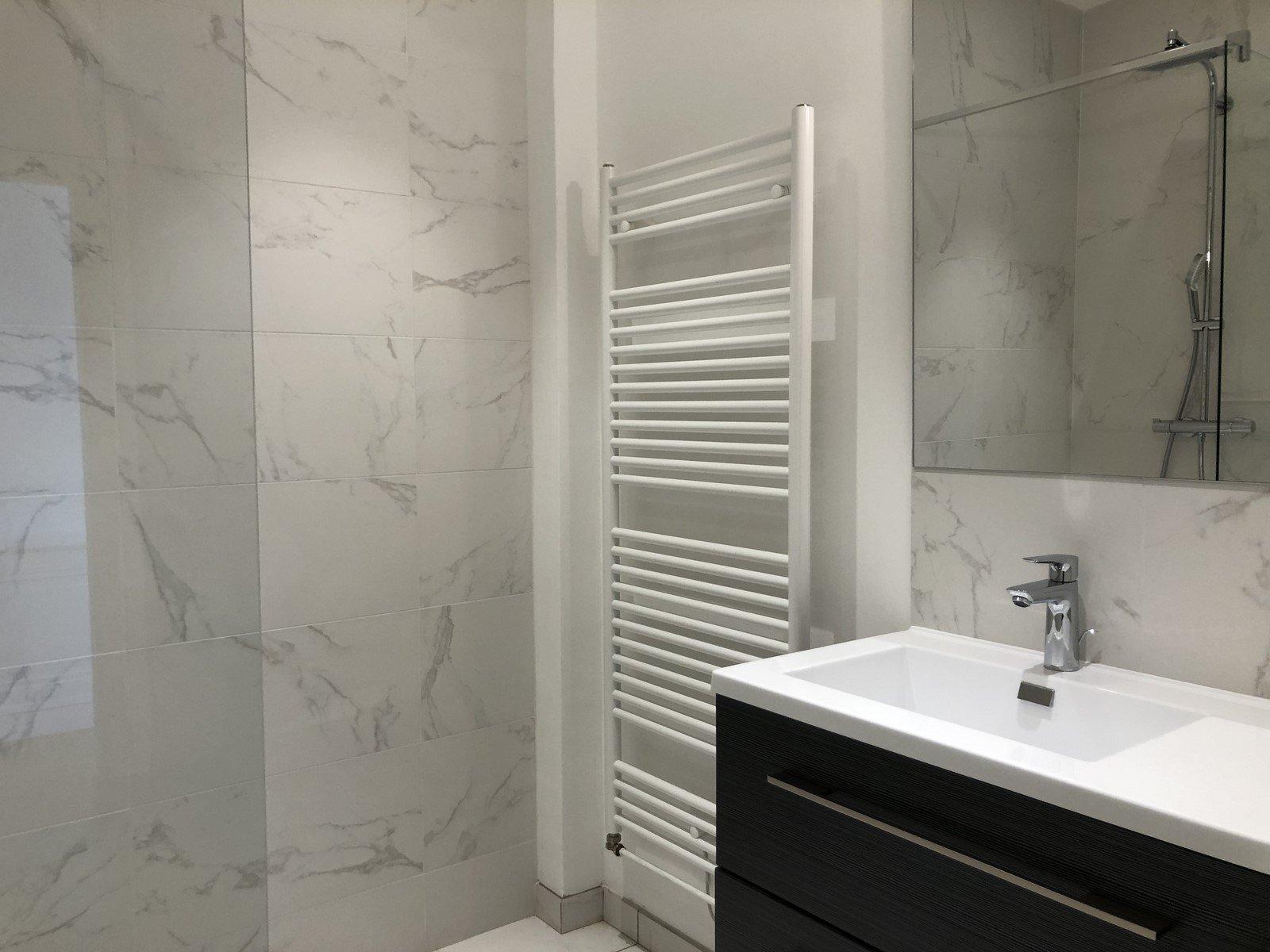 Loué par notre agence - Luxueux T5 Quai de Serbie