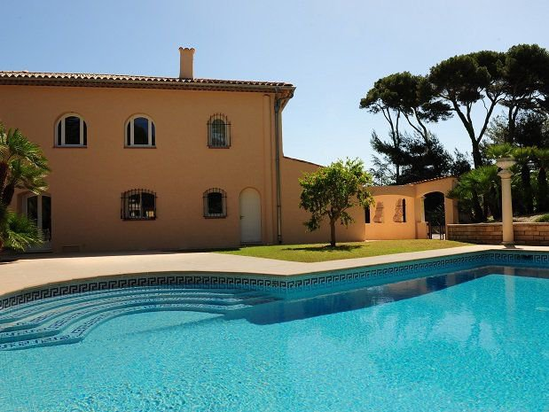 Cap d'Antibes -  Spacious villa close to beach