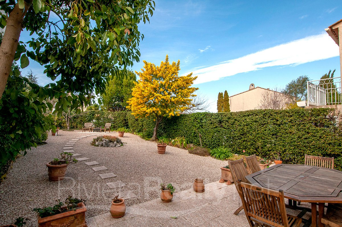 Pristine 3 bed property close to Antibes and Sophia Antipolis