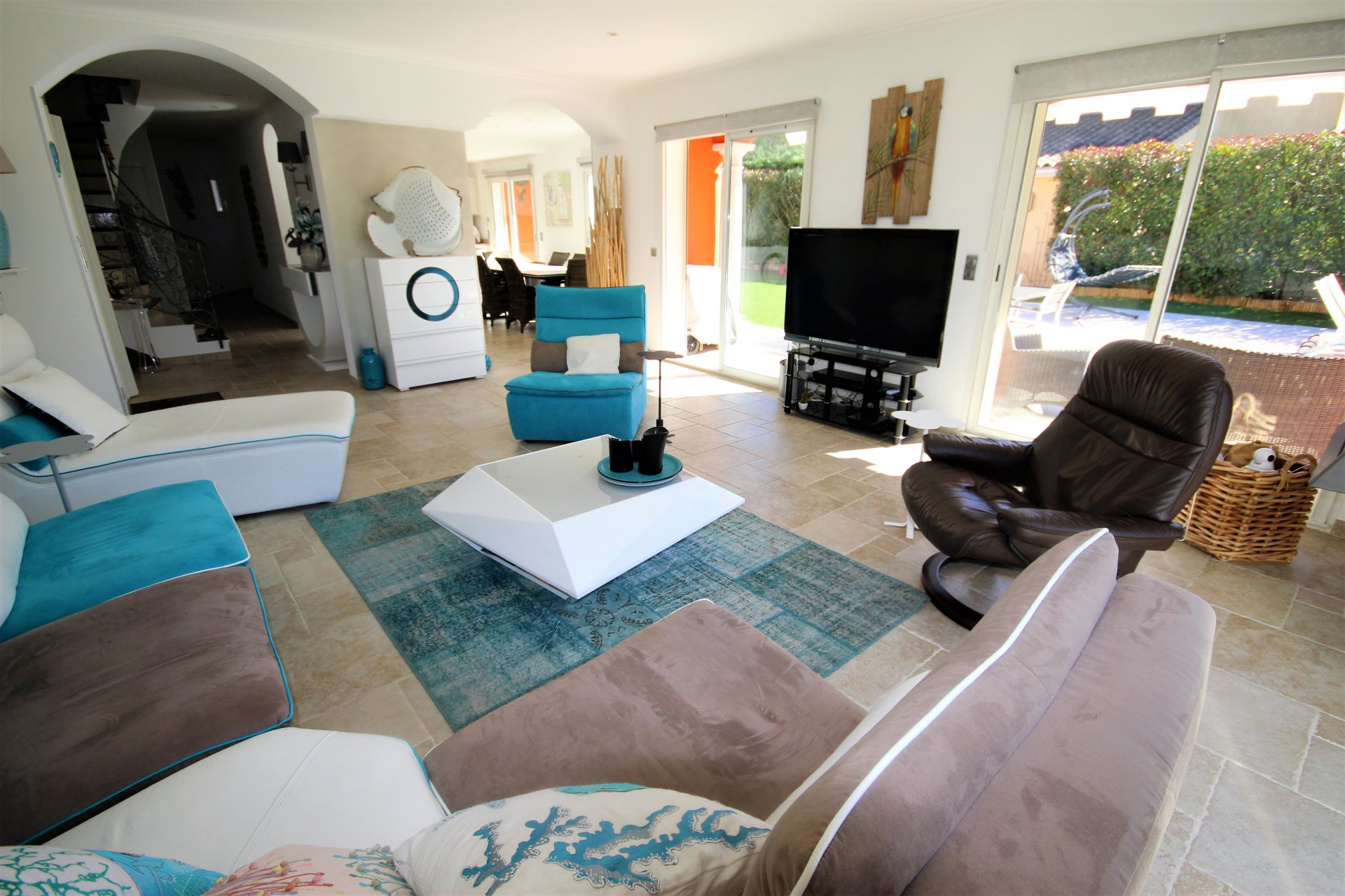 MOUGINS VILLA 4 ROOMS WITH SWIMMING POOL CLOSE TO SHOPS