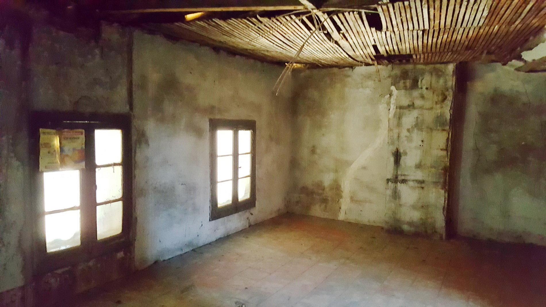 Vinbondehus att renovera med garage och uteplats