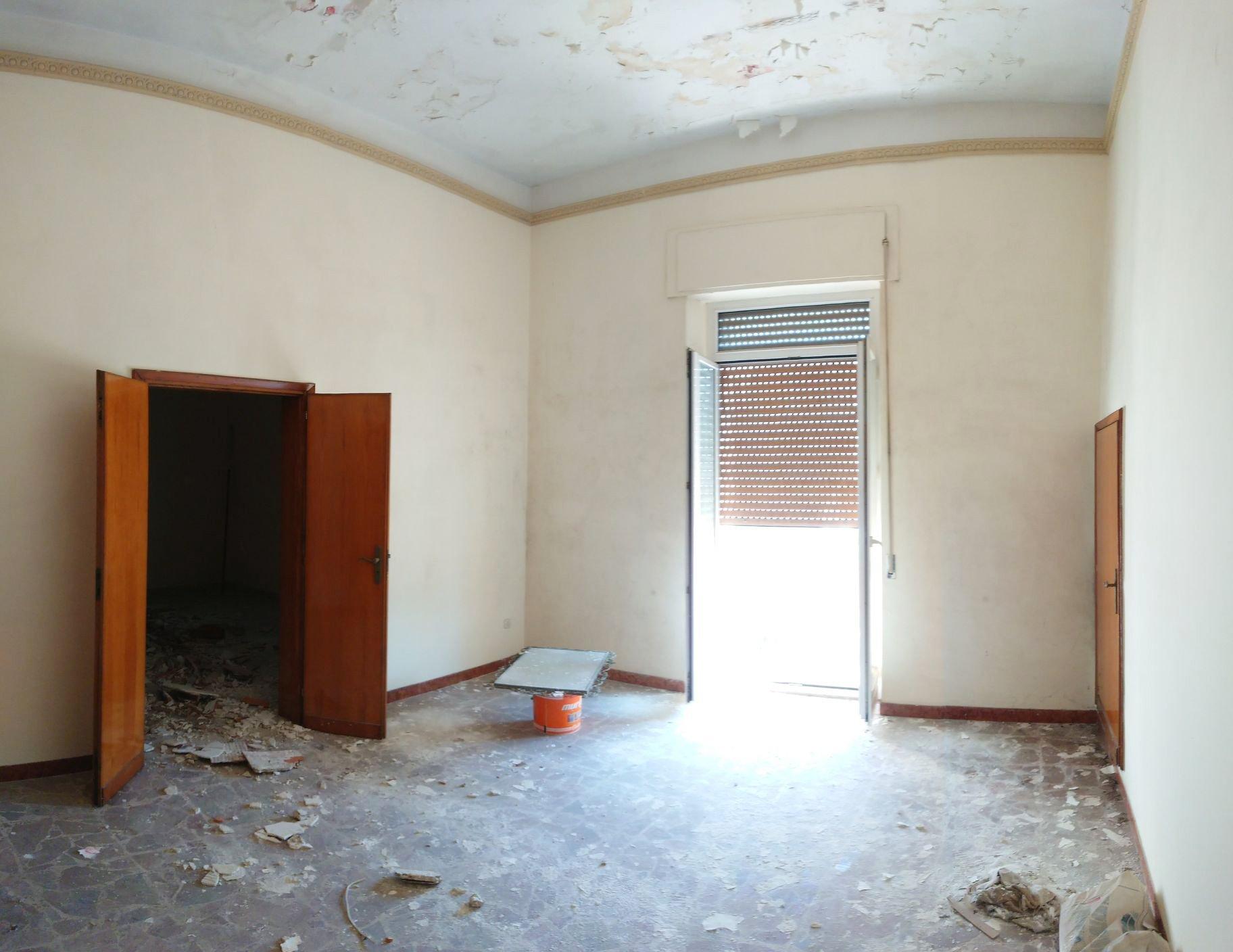 Appartamento da ristrutturare ad Oria