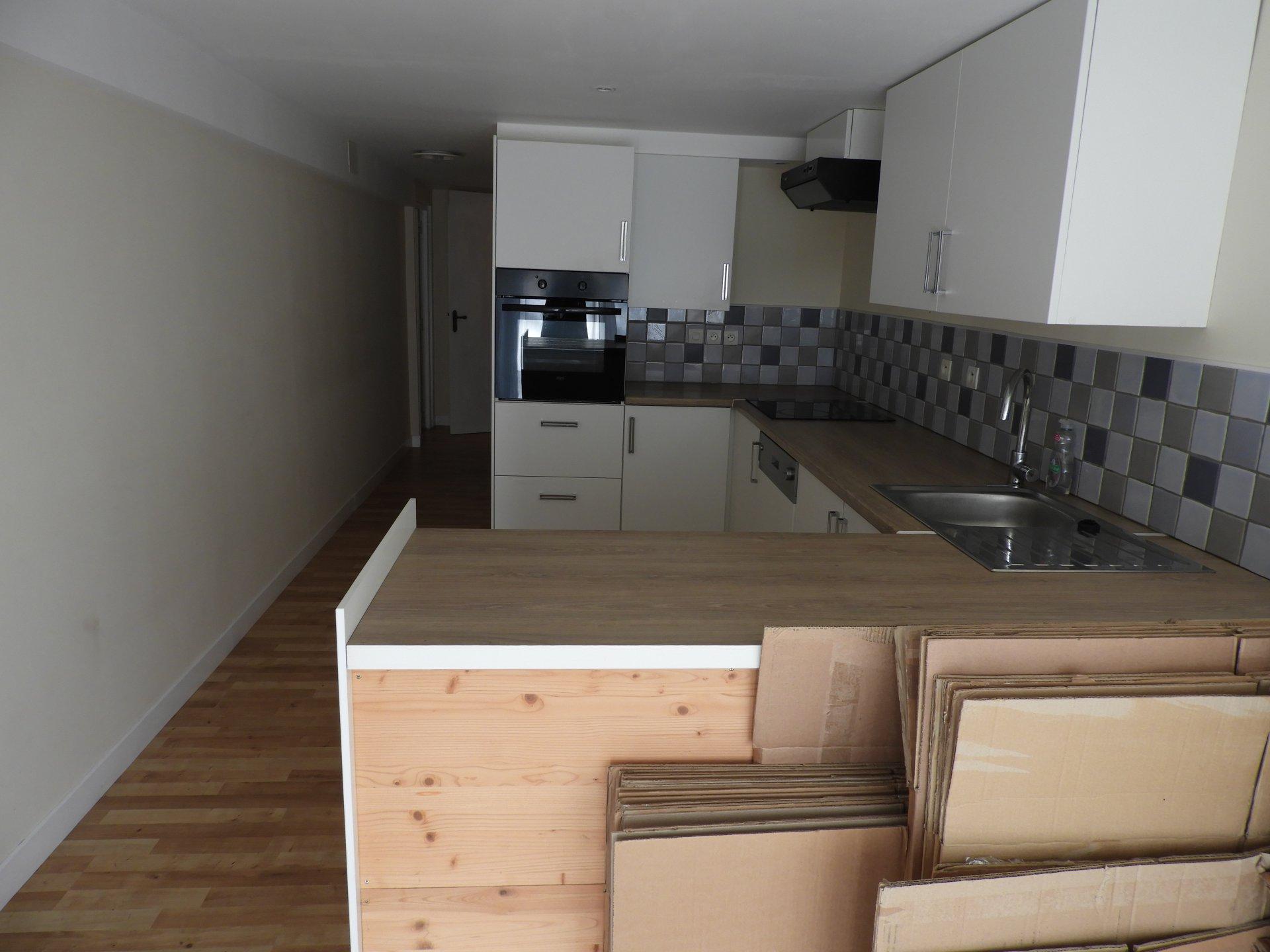 Sale House - Rostrenen