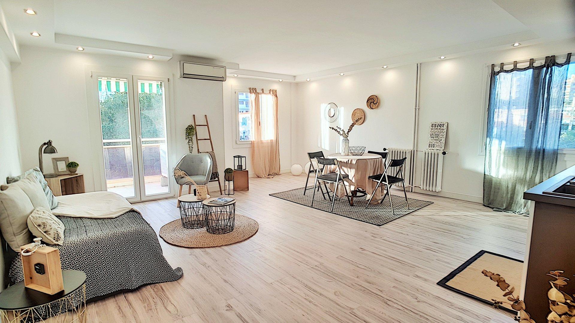 For sale, Cannes close Croisette, 2 bedrooms apartment, terrace, beaches