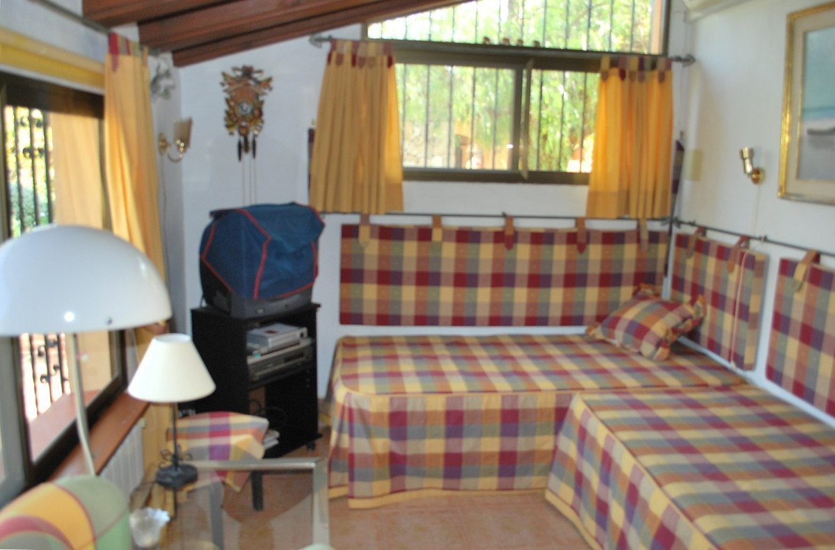 Charming private finca within walking distance to the village
