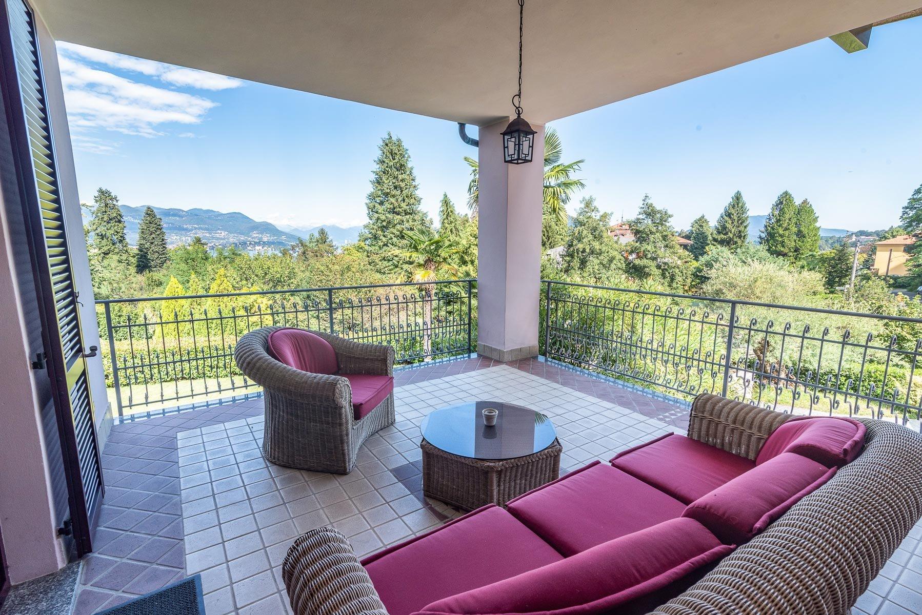 Modern villa near Stresa centre - terrace