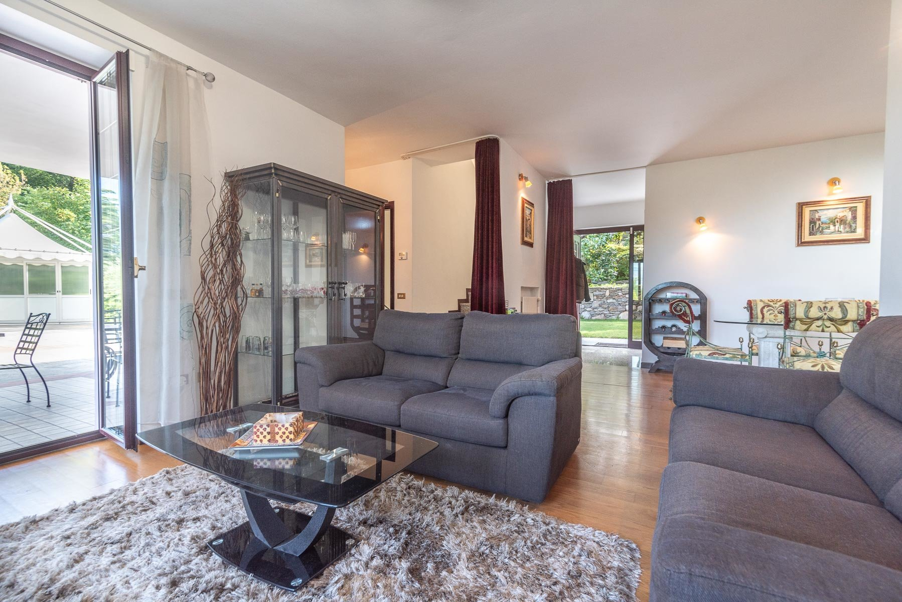 Modern villa near Stresa centre - living room