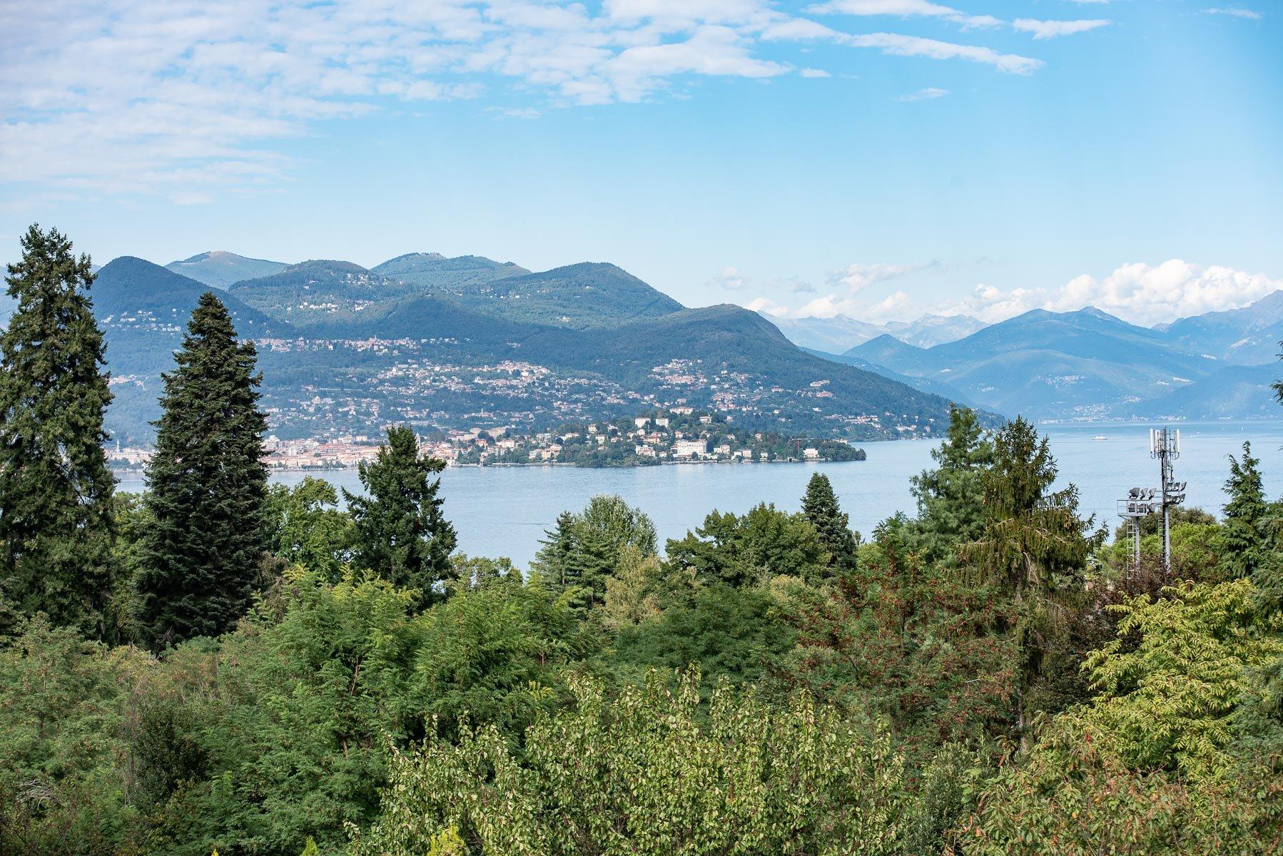 Modern villa near Stresa centre - panoramic view