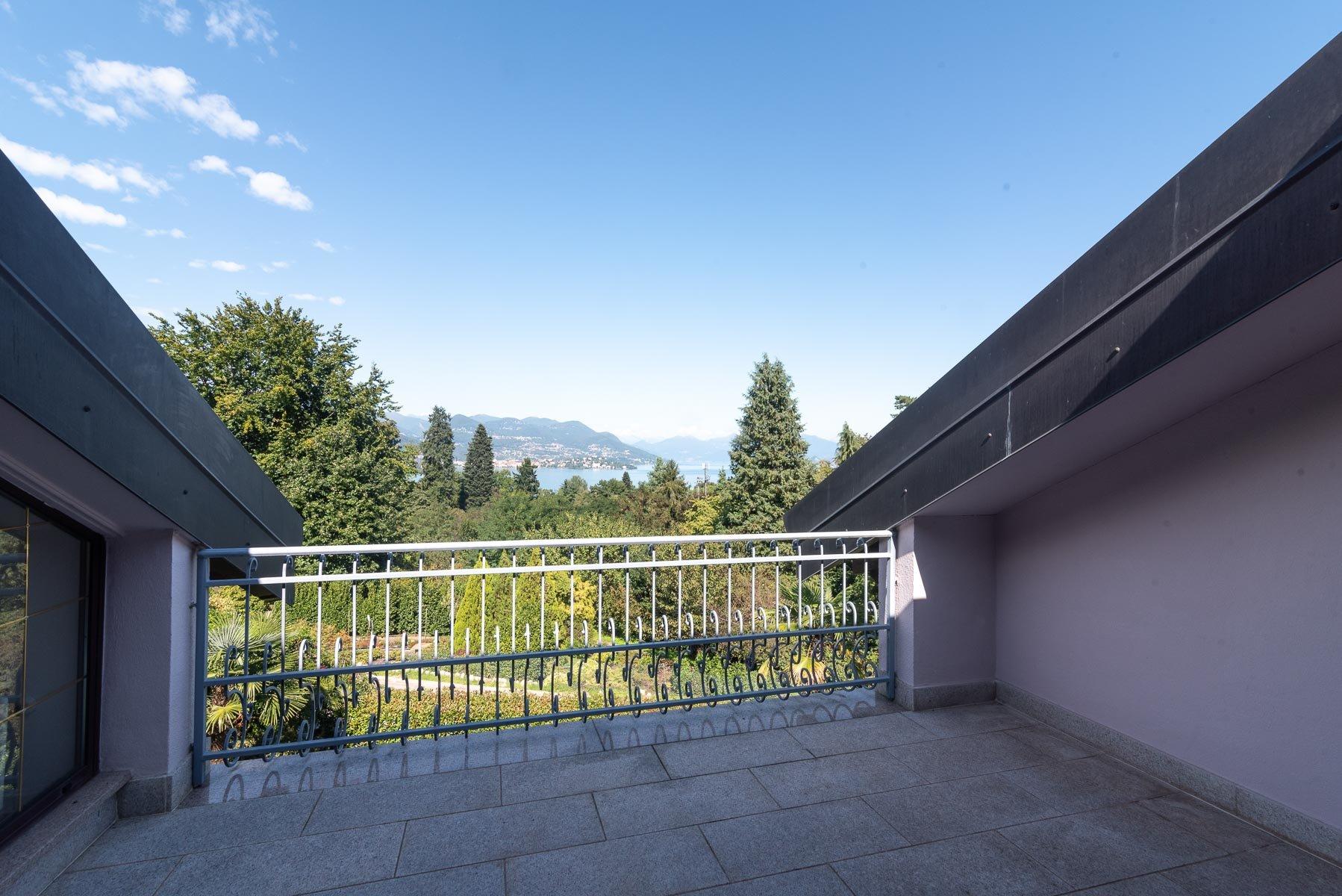 Villa moderna vicina al centro di Stresa