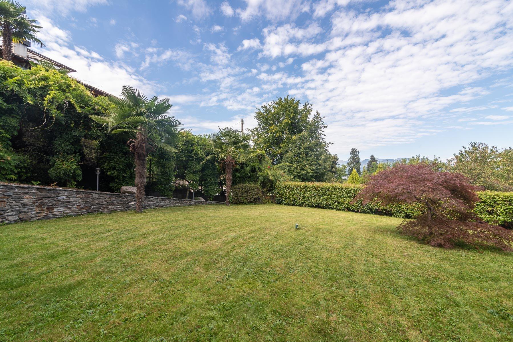 Modern villa near Stresa centre - garden