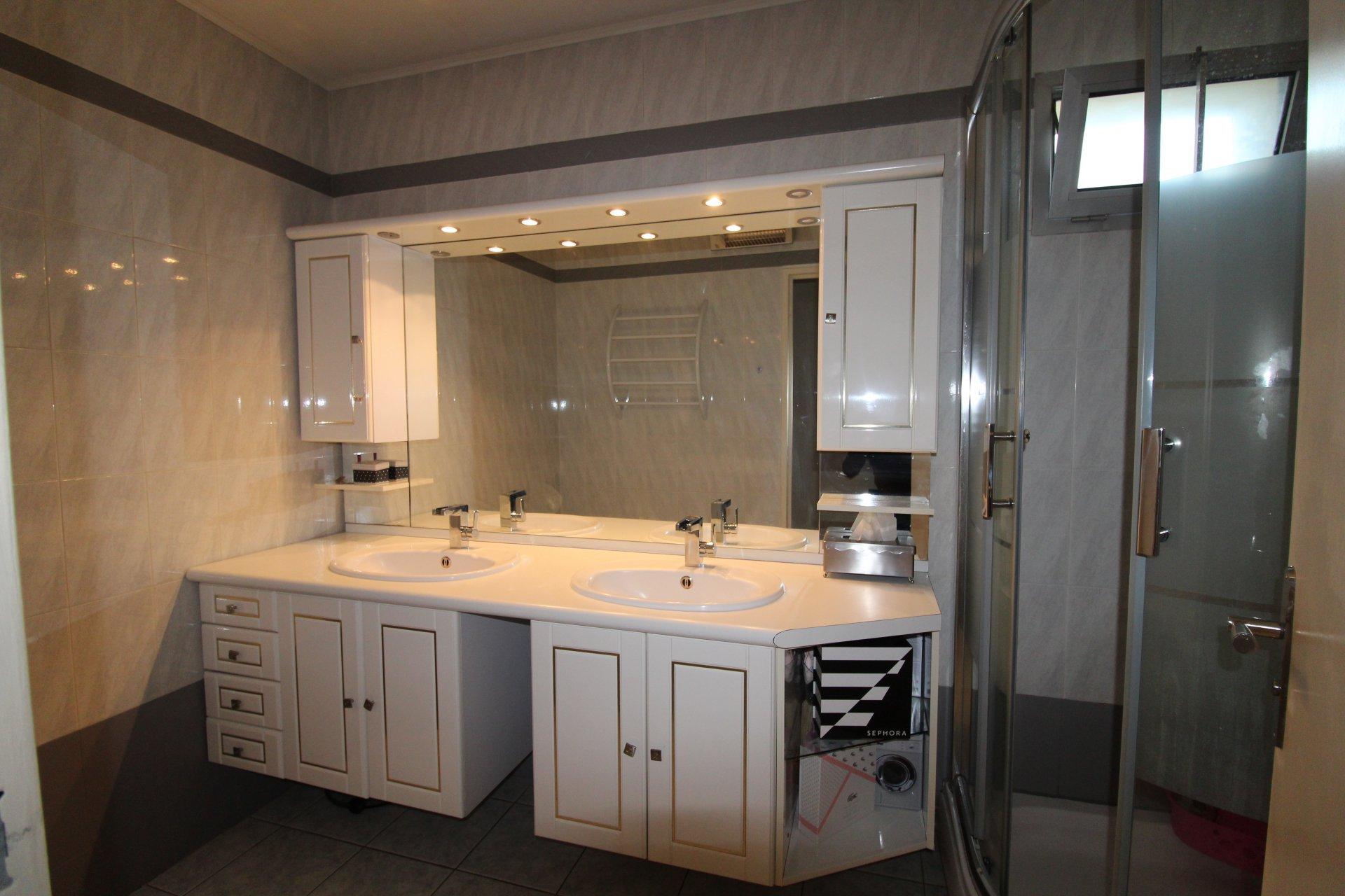 Appartement Saint-Etienne / Bergson 4 pièces 95m2 avec balcon et garage