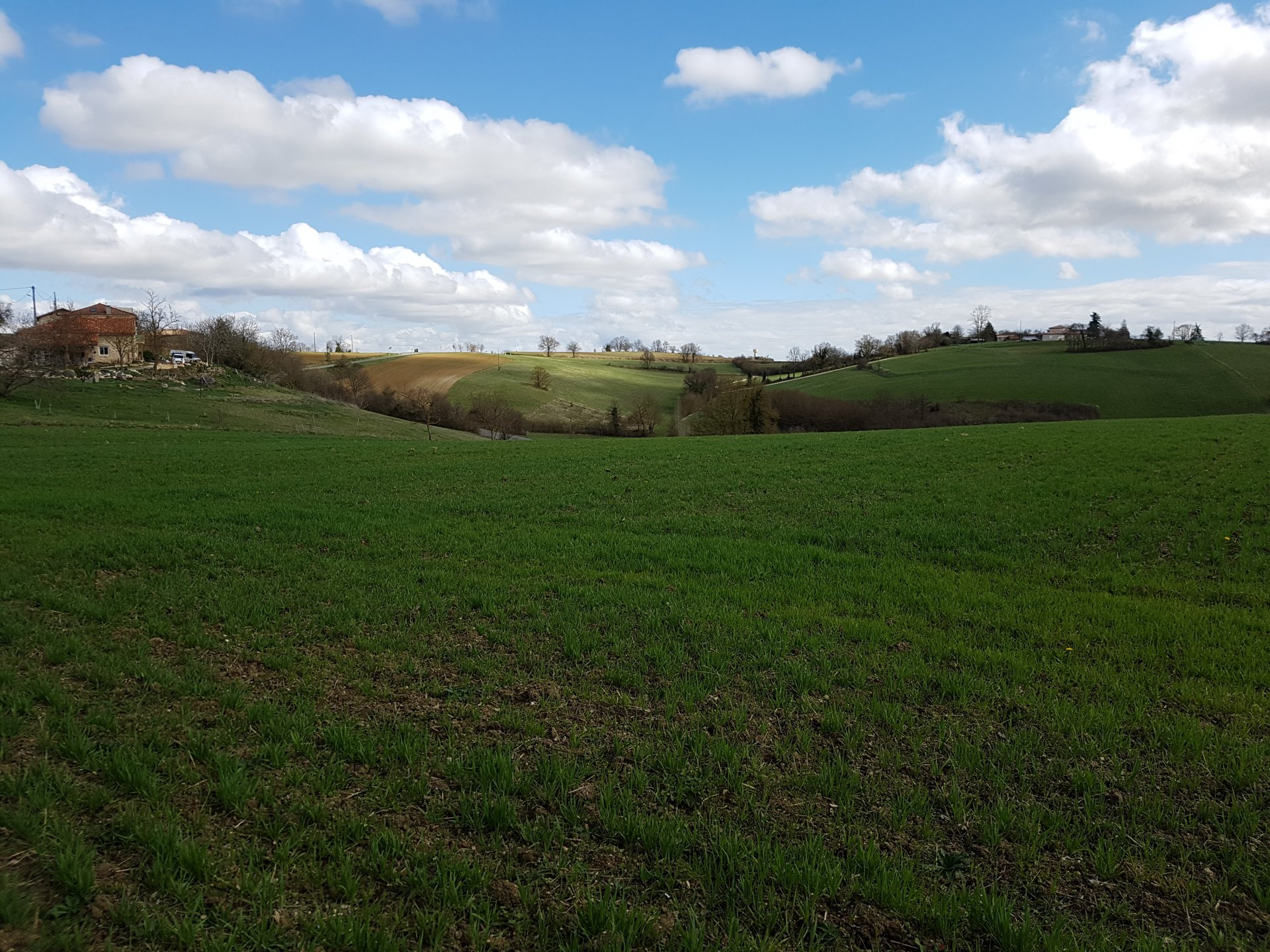 In Boussan, building plot of 2300 m² with superb Pyrenees views