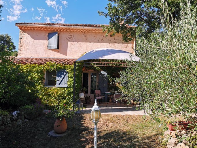 COTIGNAC Campagne, 2 maisons, vignes et olivier
