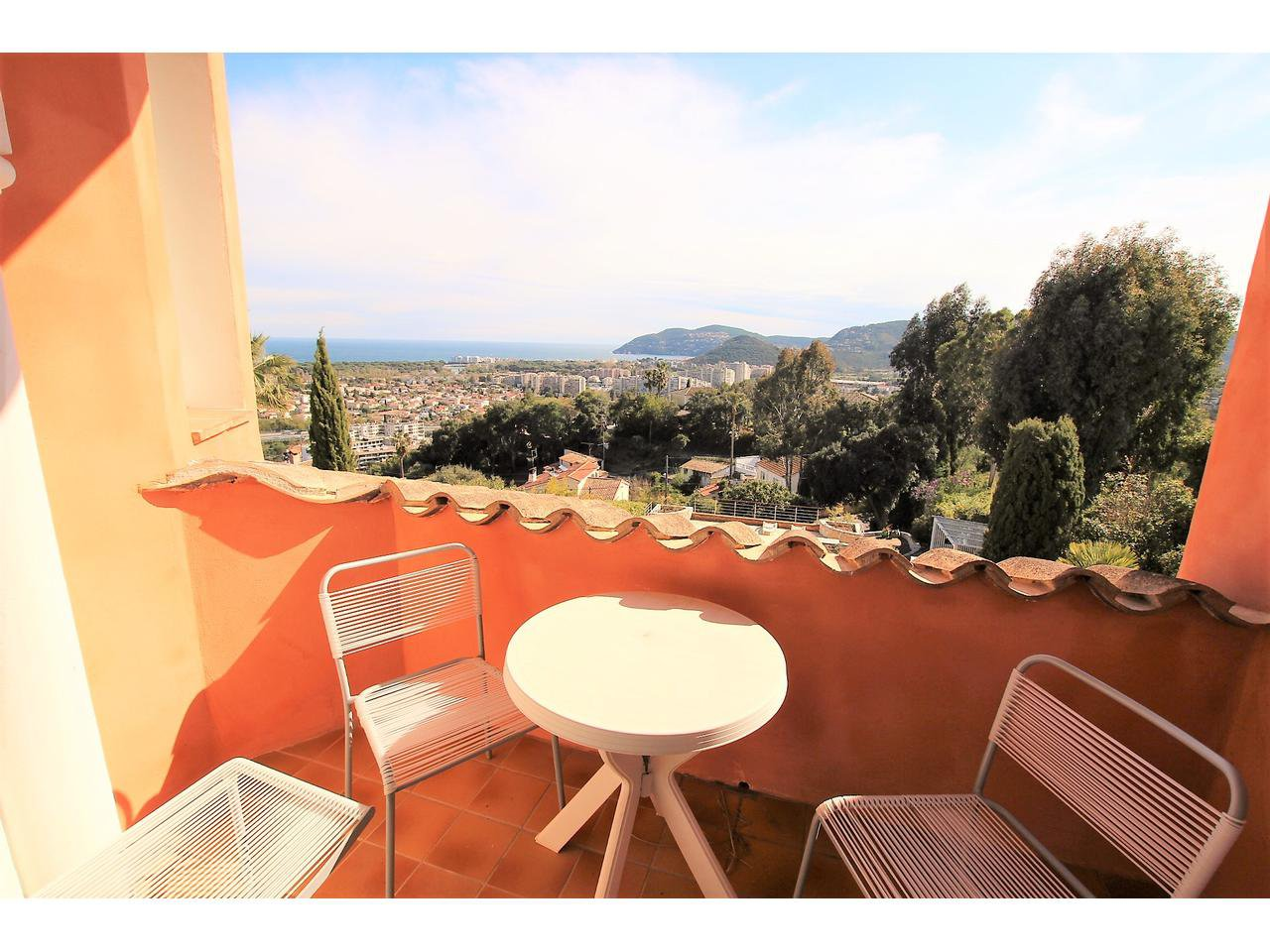 Beautiful villa in Mandelieu La Napoule - sea view & pool