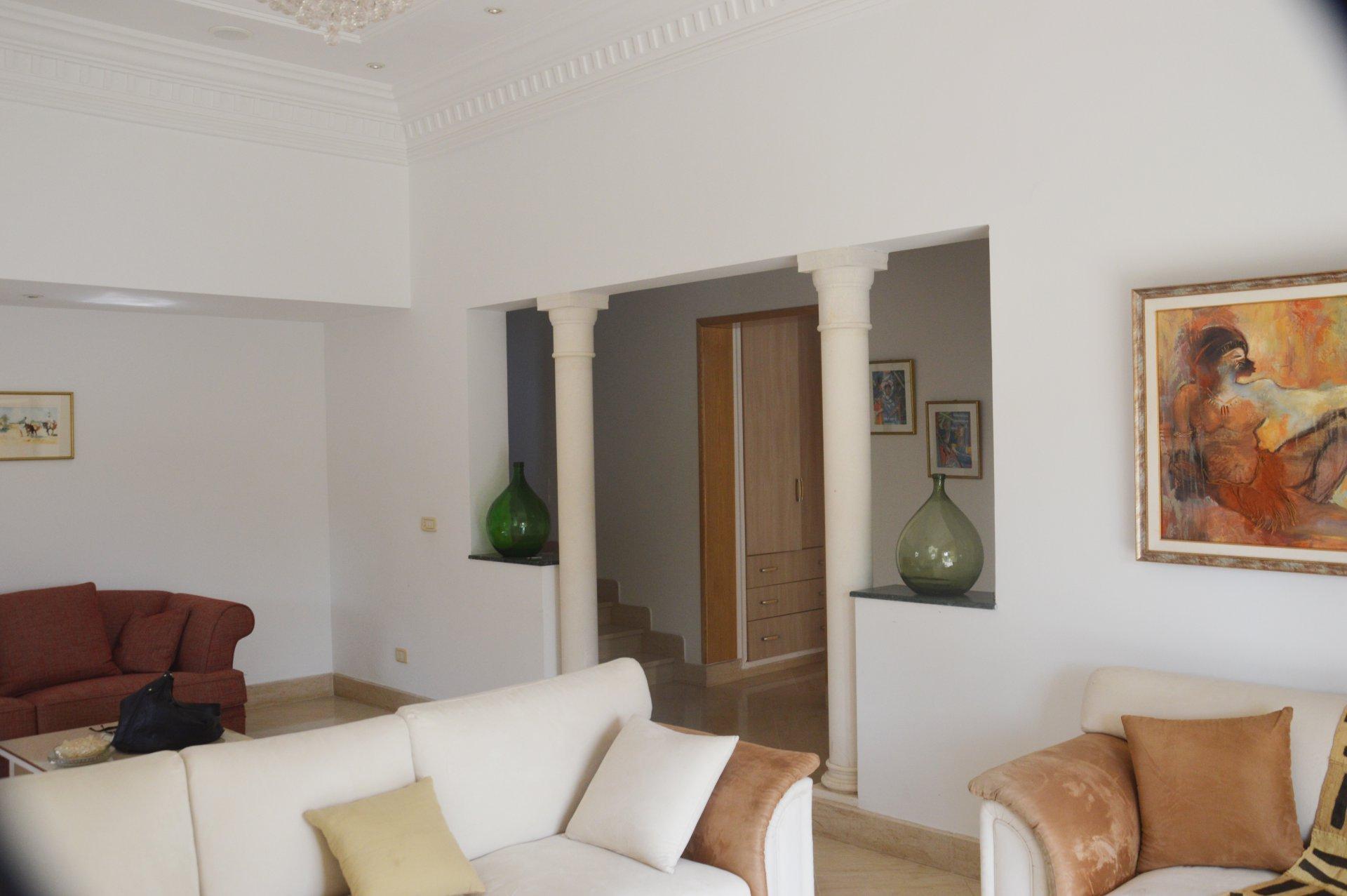 A vendre une villa de 620 m² à Gammarth Supérieur