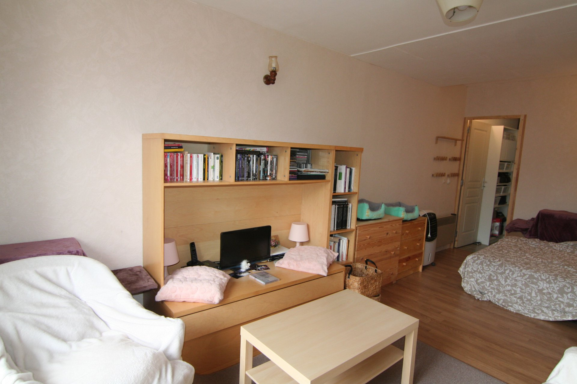 APPARTEMENT TYPE F1 PROCHE COMMODITES
