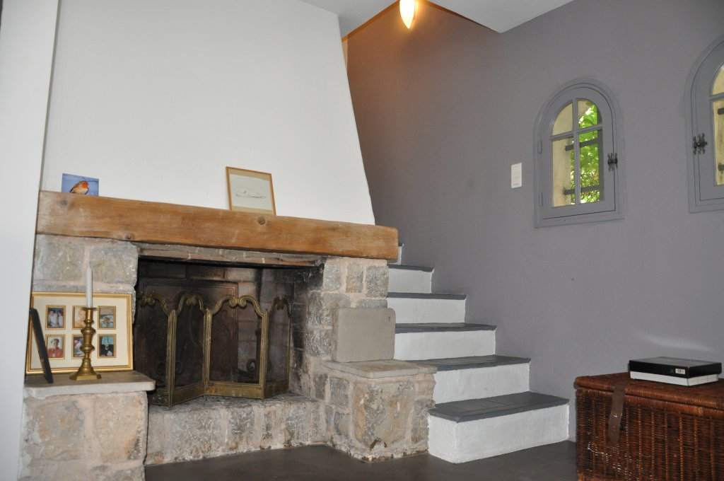 Fireplace in salon