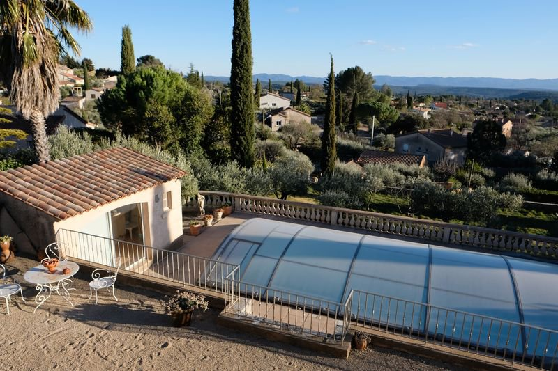 House, view, 3 bedrooms, walking distance from the village, pool, garage, appartment