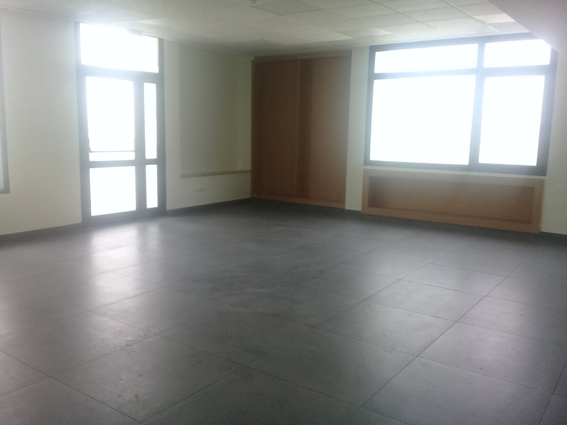 Rental Office - Centre Commercial Ikram - Tunisia