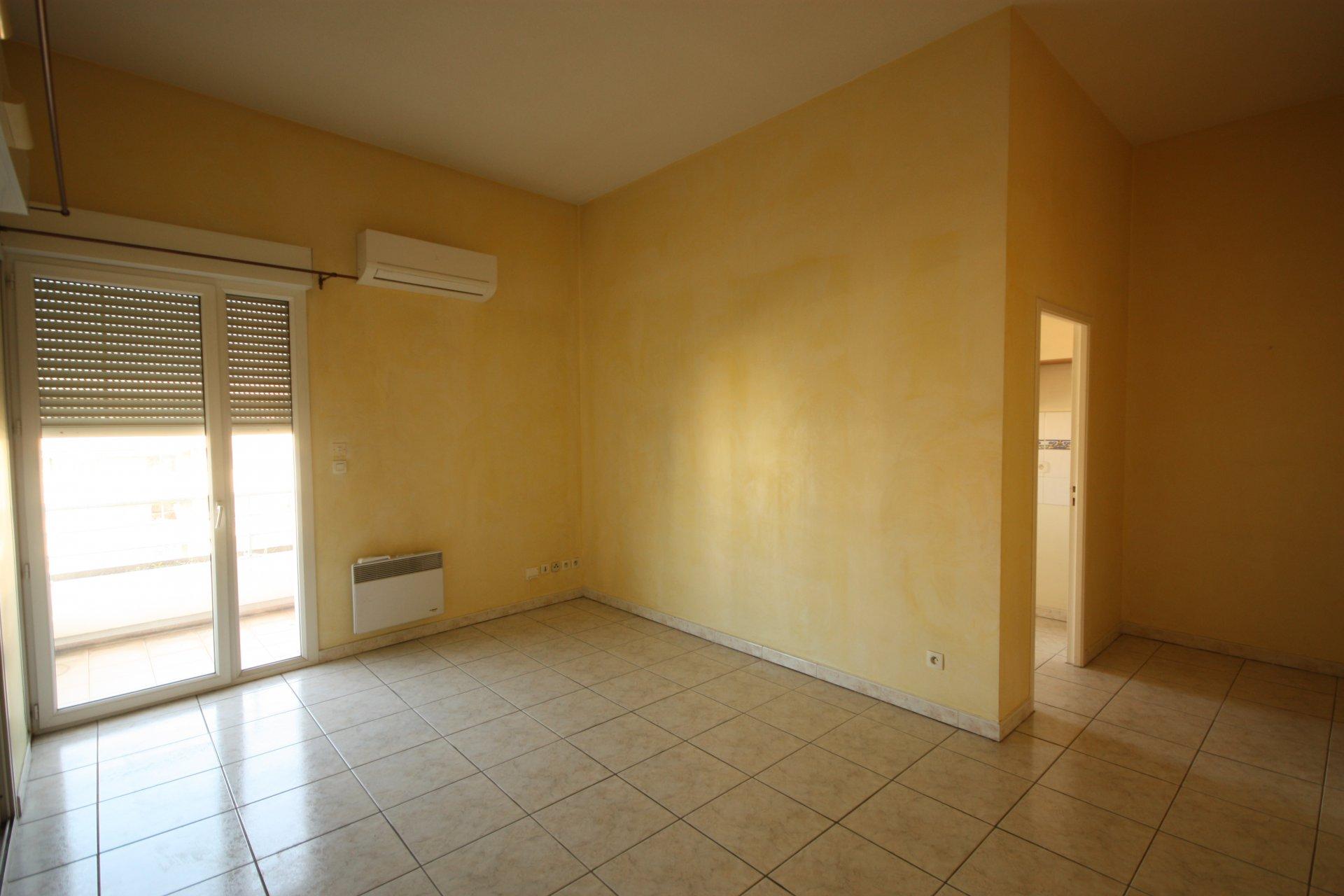 Perpignan appartement T2 avec terrasse à vendre