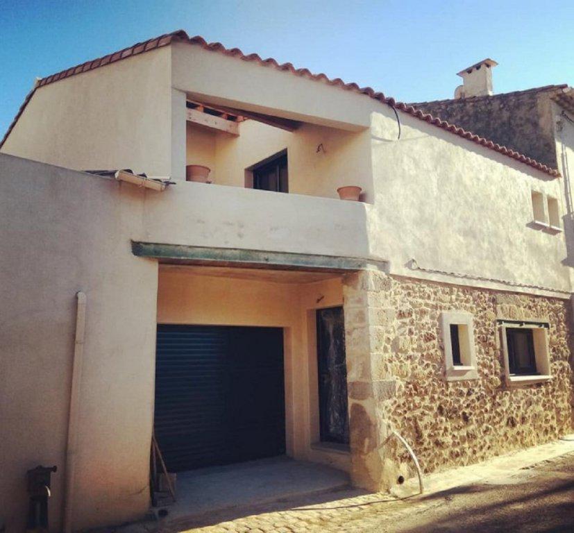 Maison de village avec cour intérieur et terrasse