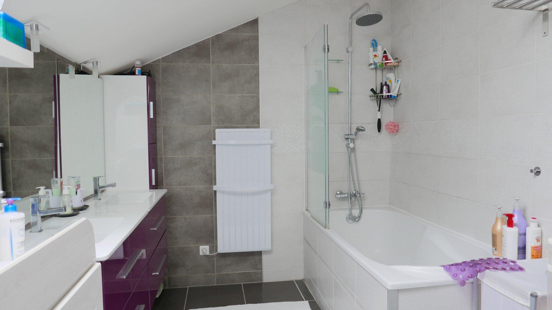Achat Maison, Surface de 250 m², 5 pièces, Vénissieux (69200)
