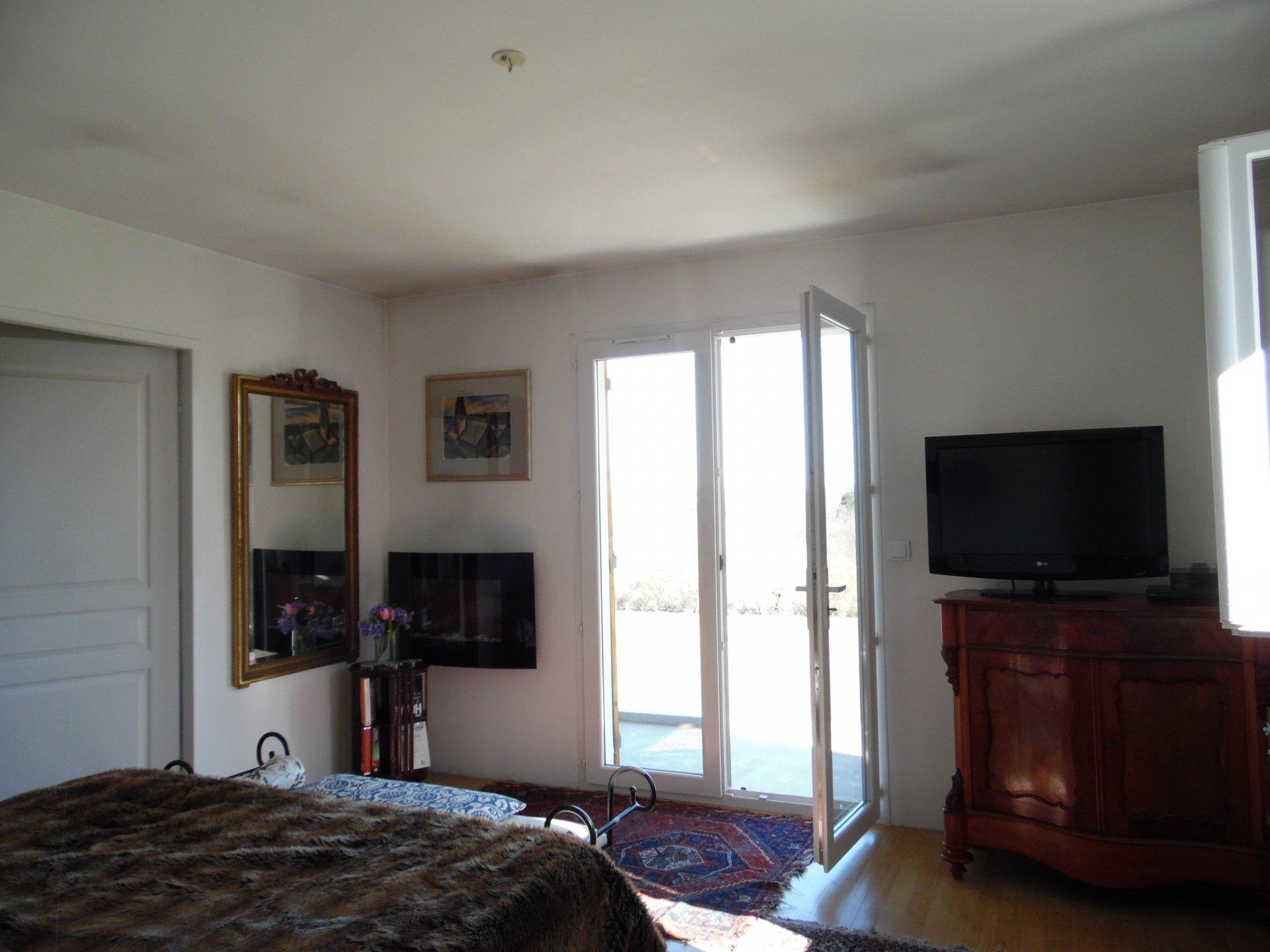 A vendre à Auzances, maison neuve, garage double, jardin et vue.