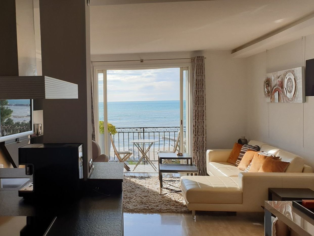 Cannes - Croisette - Superb modern  apartment with sea view