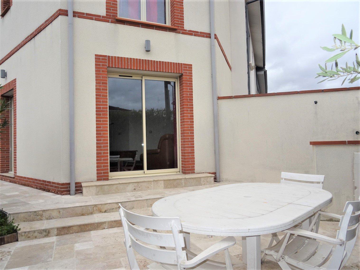 Minimes, maison de ville de 110 m² avec garage