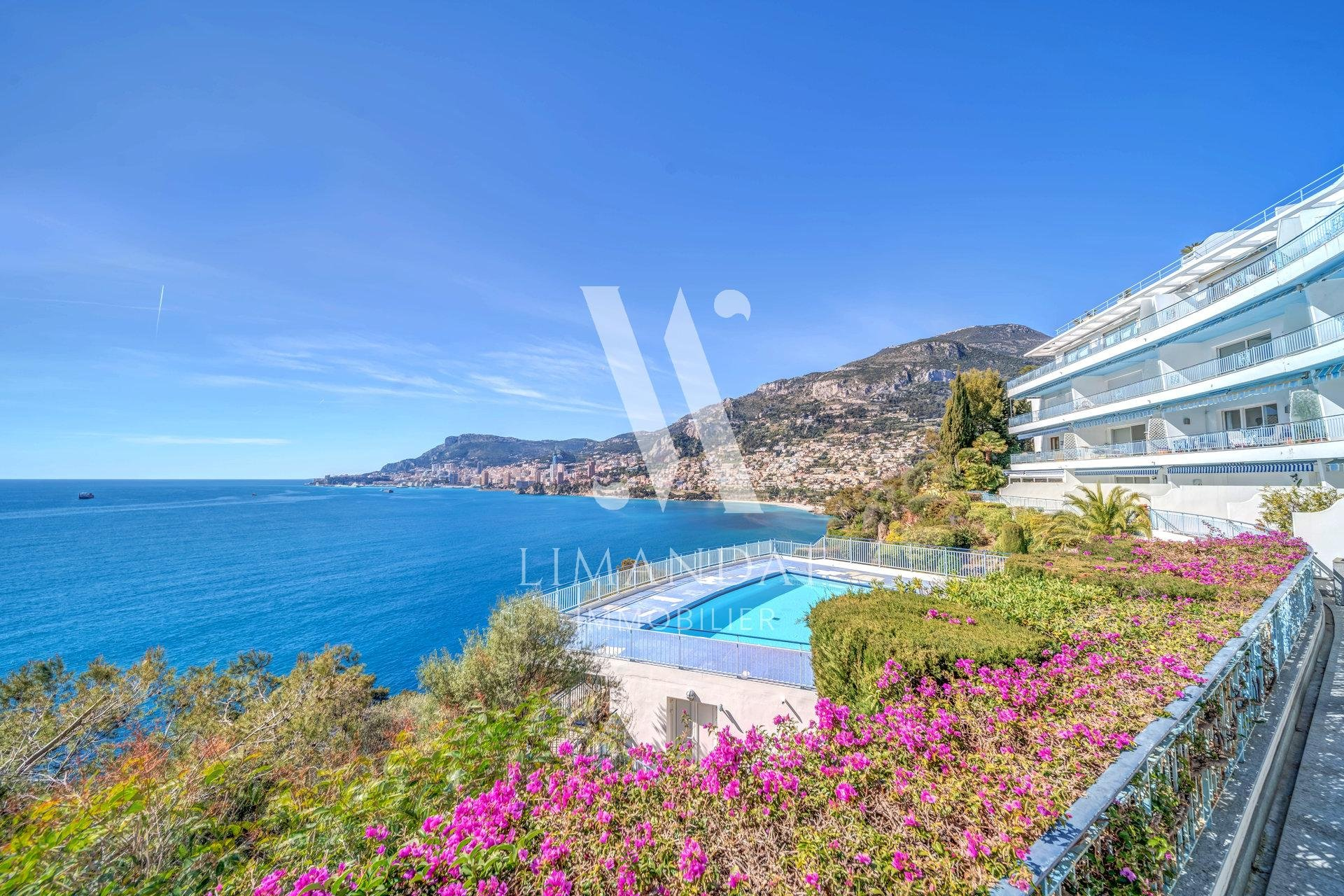 Roquebrune Cap Martin - exceptional property - 4 rooms 130 m2 terrace 100 m2