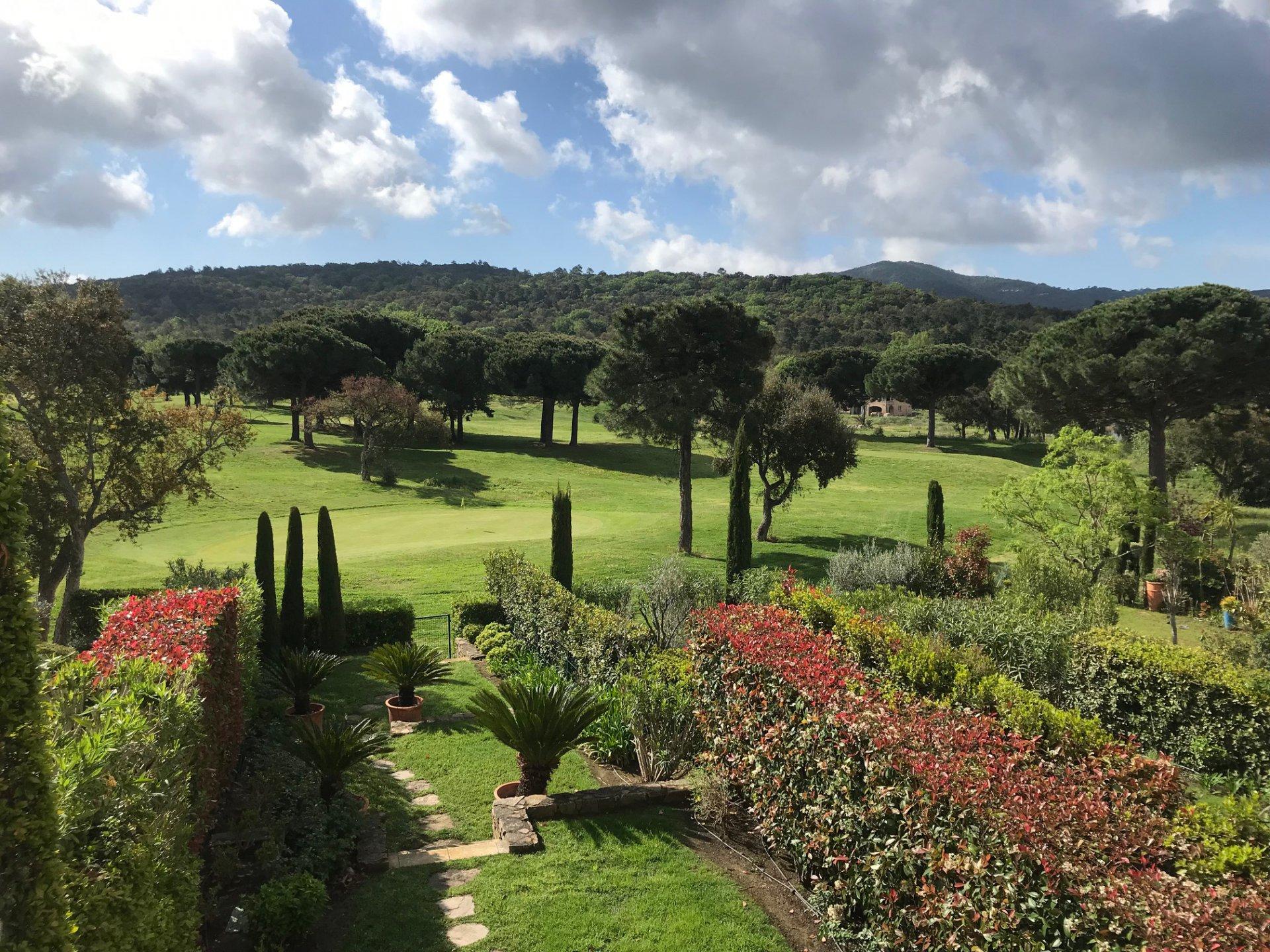 SOLE AGENT - Golfers House in Prestigeous domain Golf de Gassin