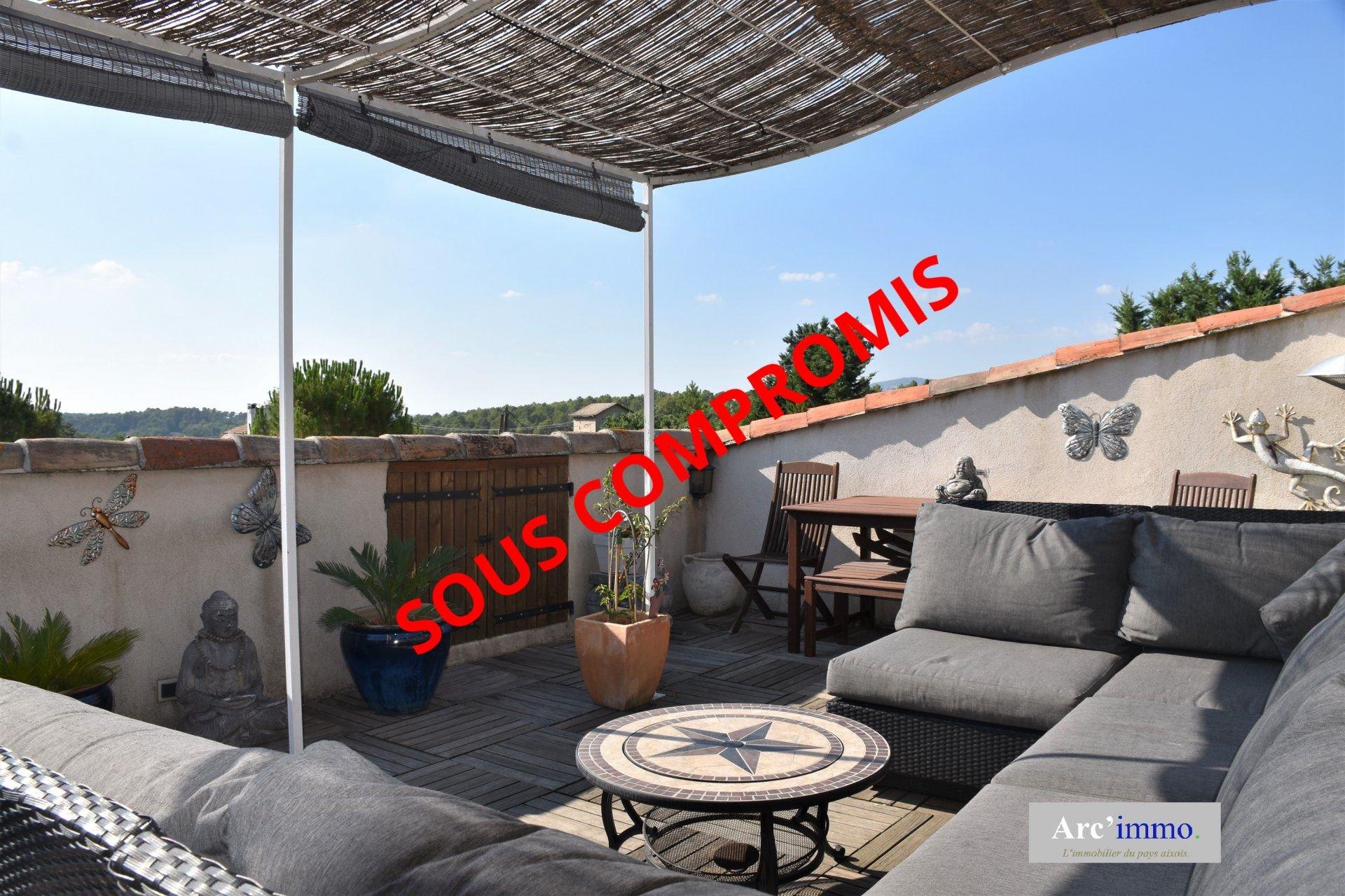 Maison de village 200m² + garage + tropézienne