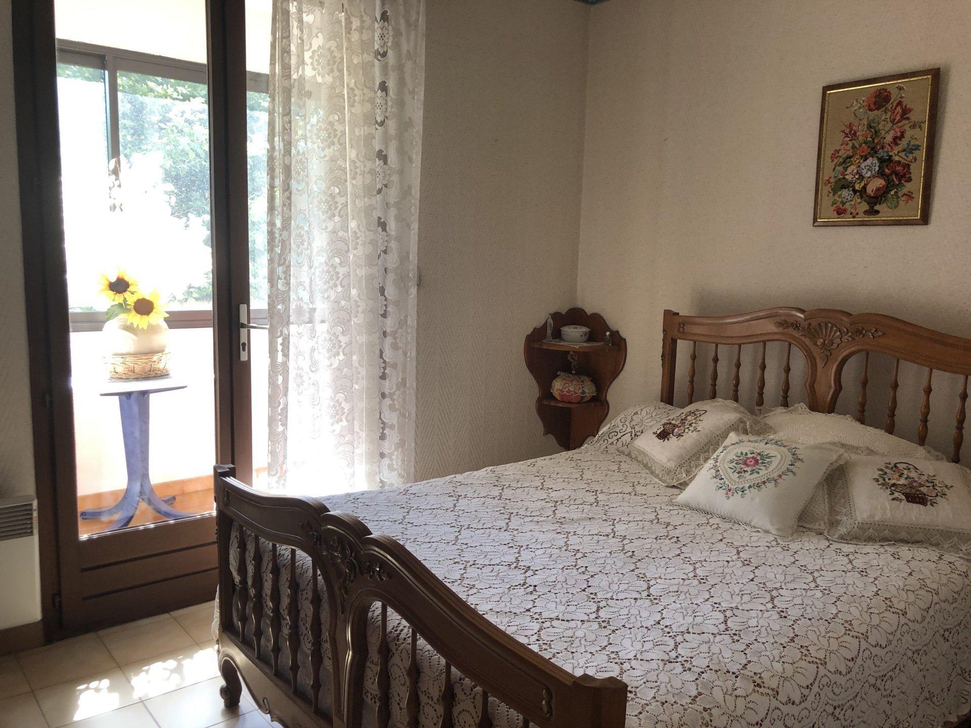 Appartement T3 Lumineux centre  village