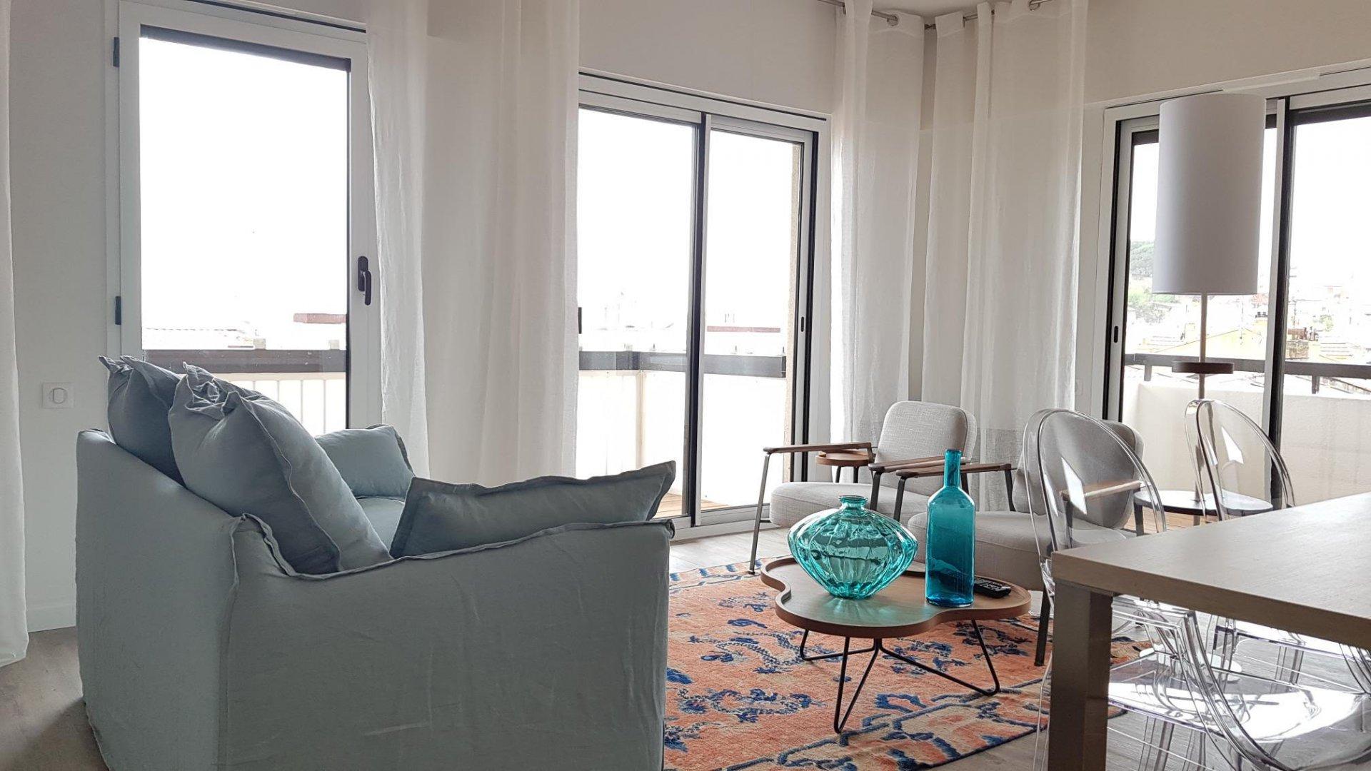 rental 2 bedroom for congress close Palais