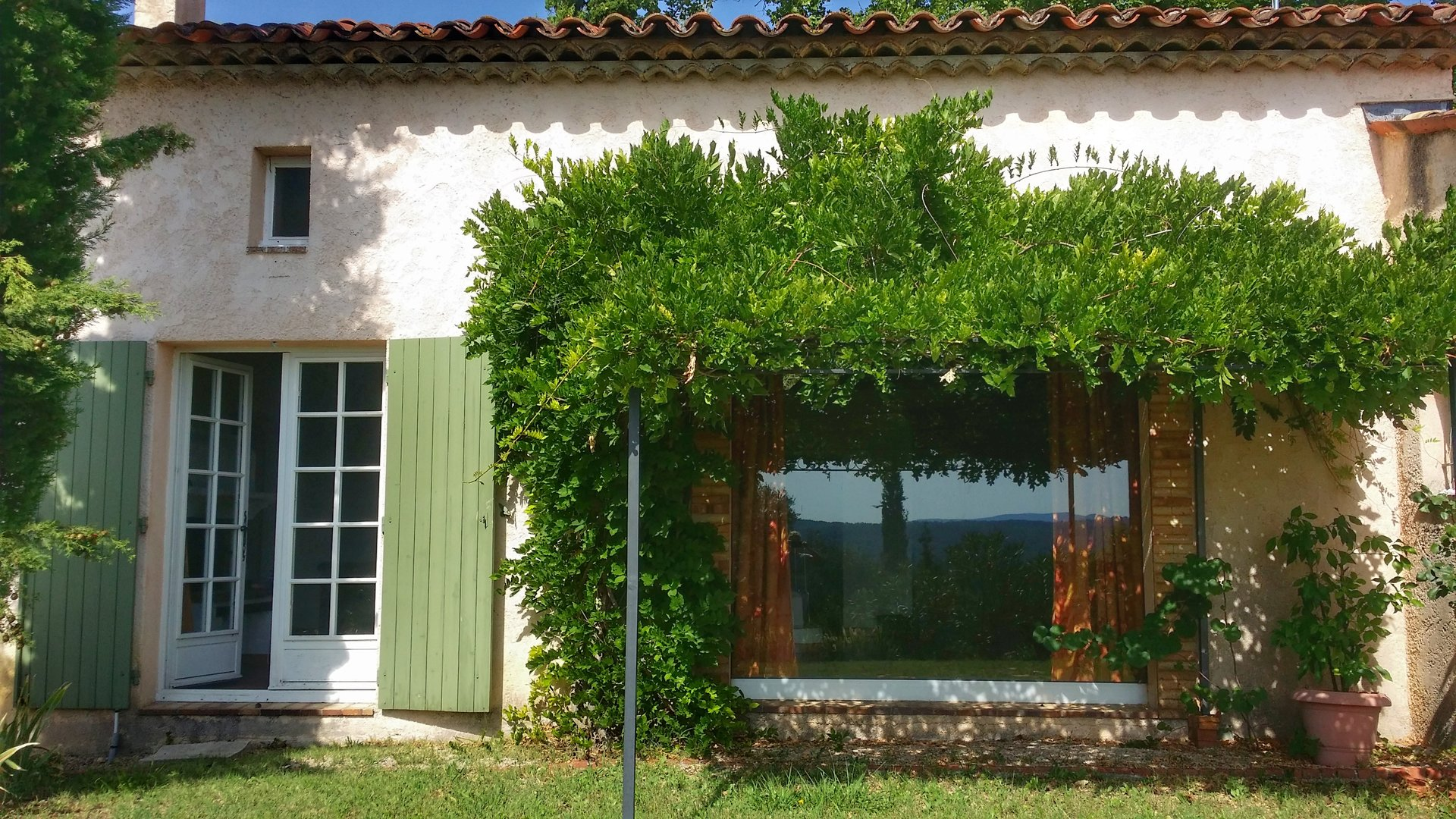 Fayence: close to old village center with view