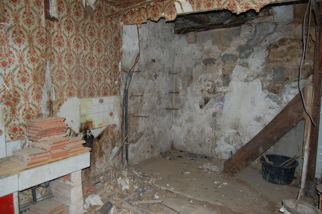 DORDOGNE - Vieille maison de village à rénover
