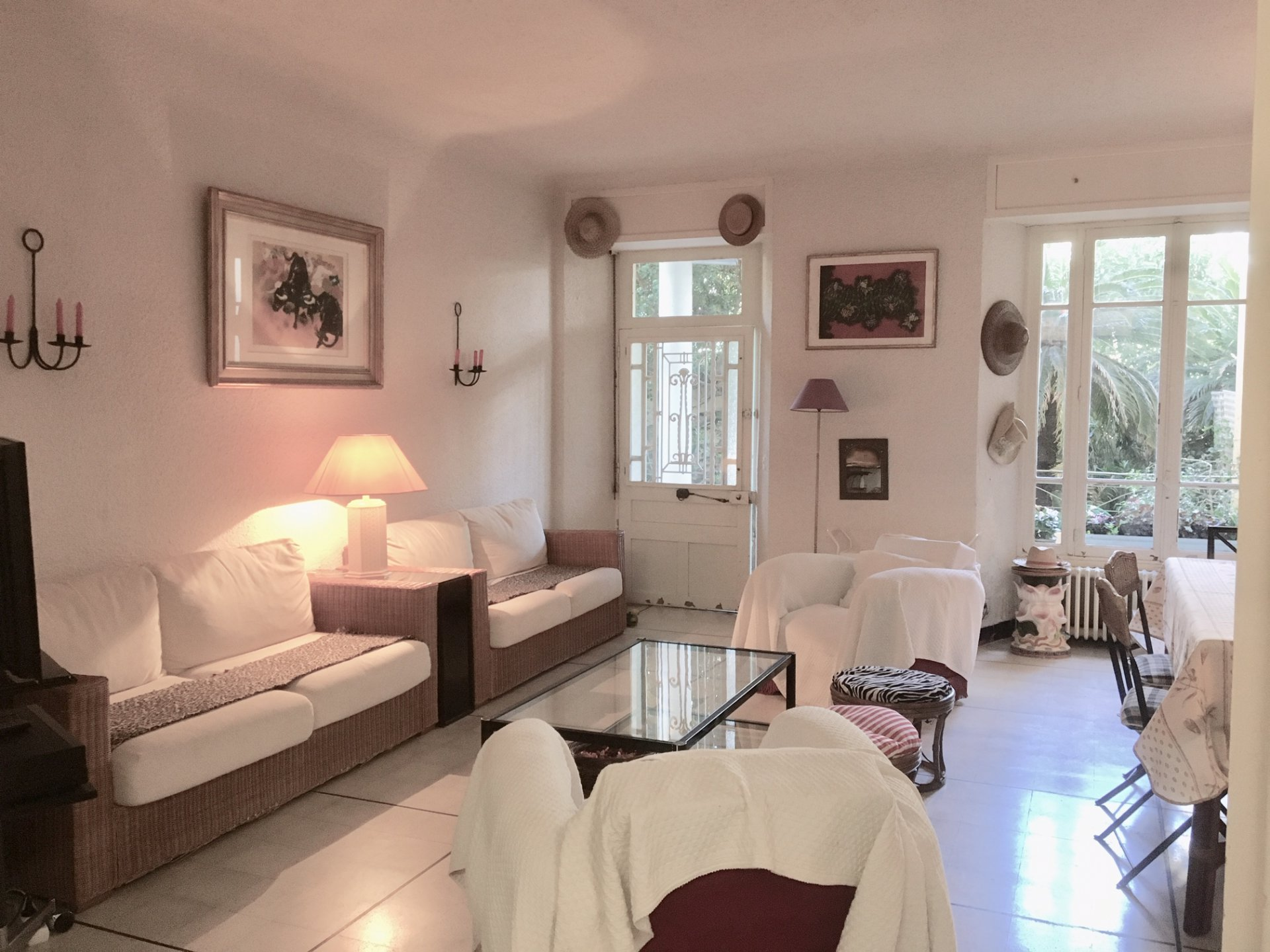 3-Bedroom apartment of 110 sqm with Garden Place de L'Étang