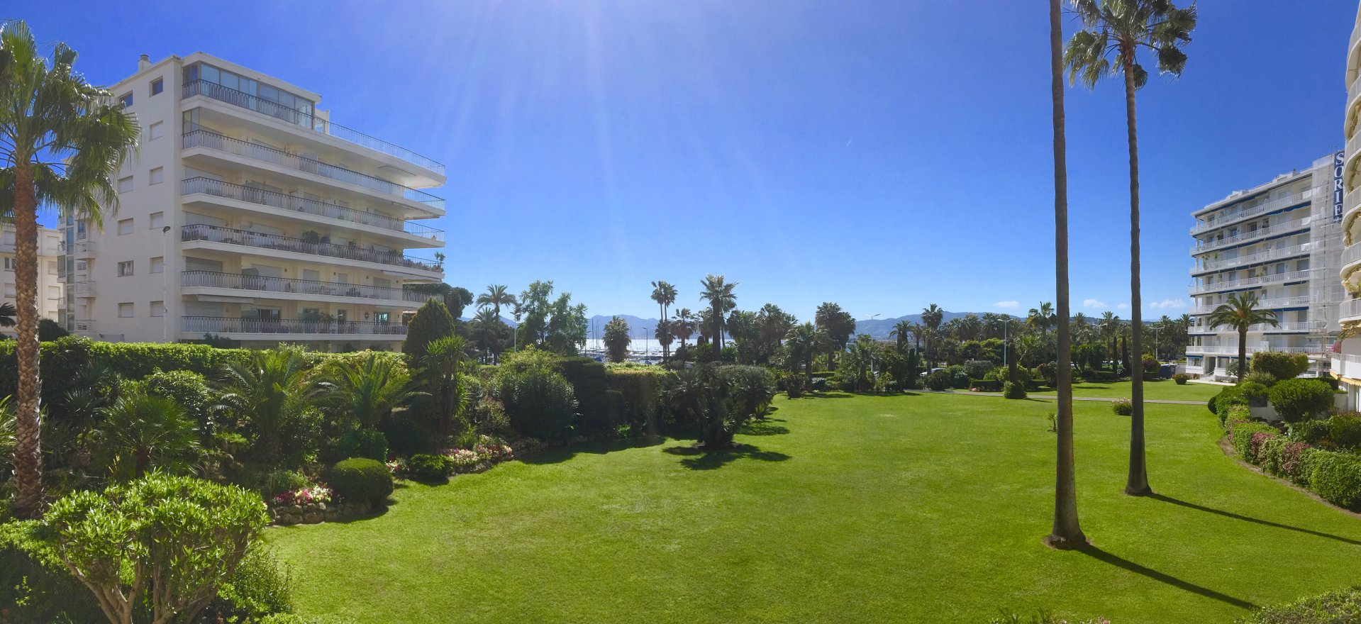 CANNES CROISETTE 2 BEDROOM APPARTEMENT WITH SEA VIEW