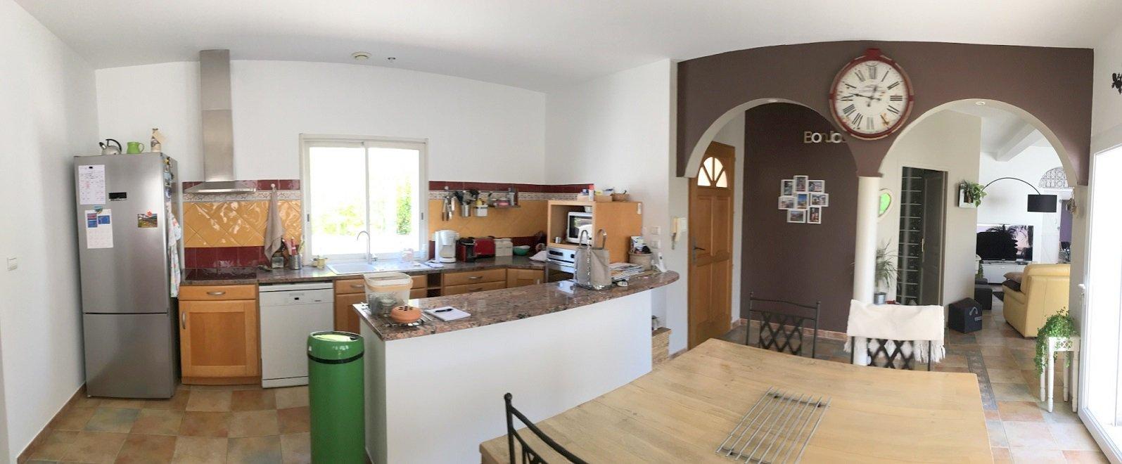 Villa plain pied avec garage et piscine