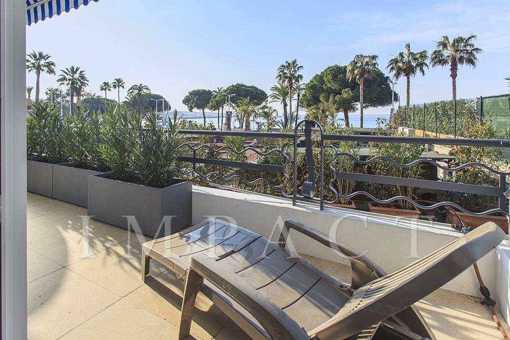 Apartment for Sale Cannes Croisette sea view