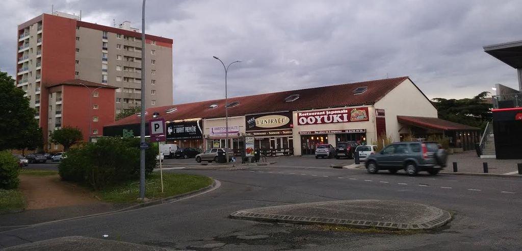 Local à louer 150M²+75M² dans Centre Commercial MURET NORD + Terrasse 35M²