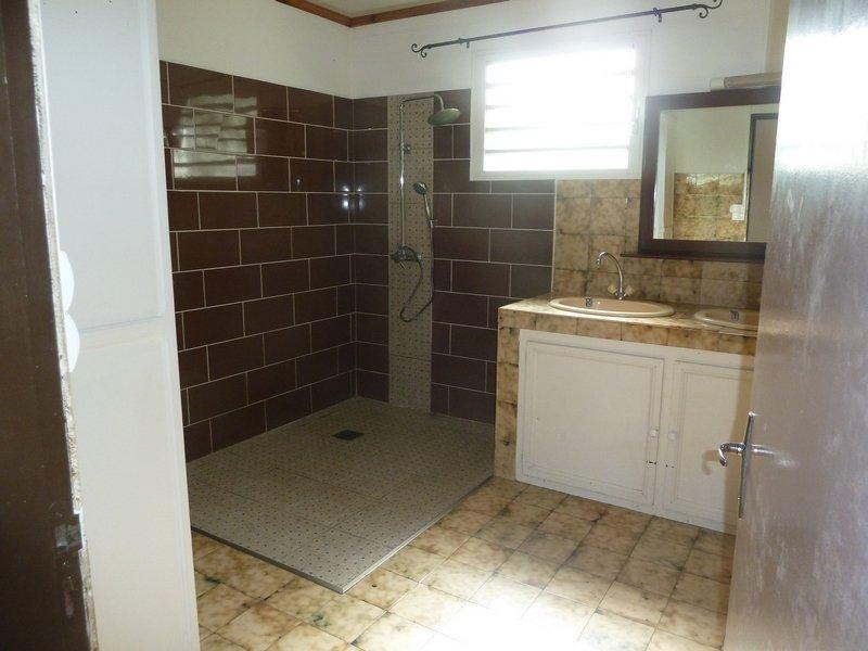 A La Rivière St Louis Maison F4 240 000 FAI